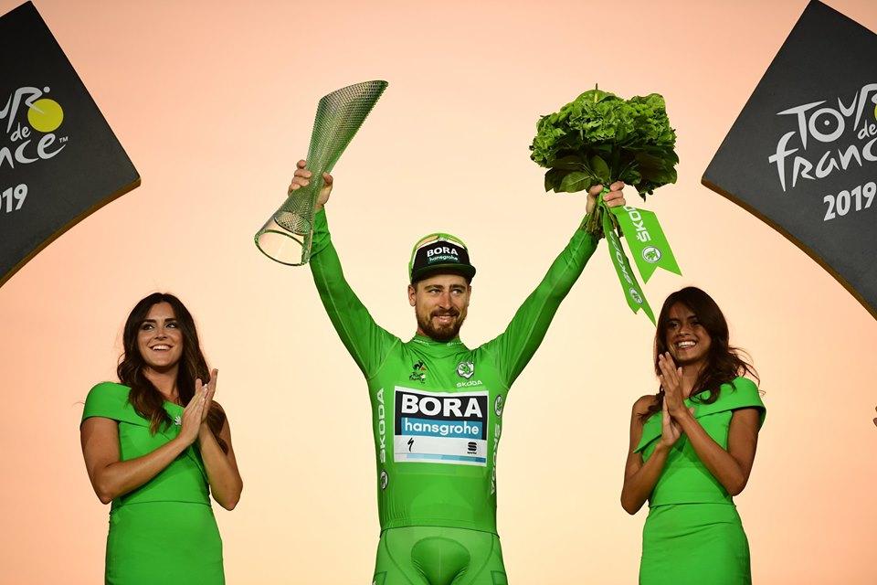 Maillot vert peter sagan sur le podium étape tour de france 2019
