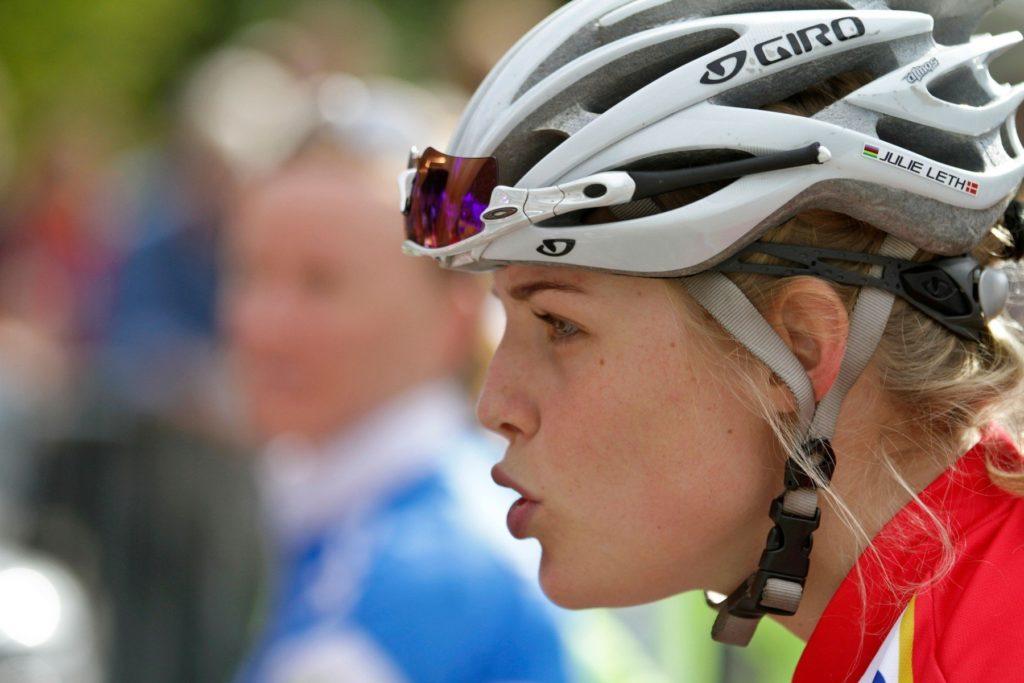 Devant la course cycliste sur route Elites Femmes en 2011