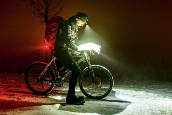 Course, en hiver, sous la neige