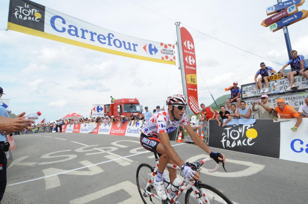 En 2010, le patron des « Men in Glaz » Jérôme Pineau avait franchi le sommet de la Madeleine le maillot à pois sur les épaules.
