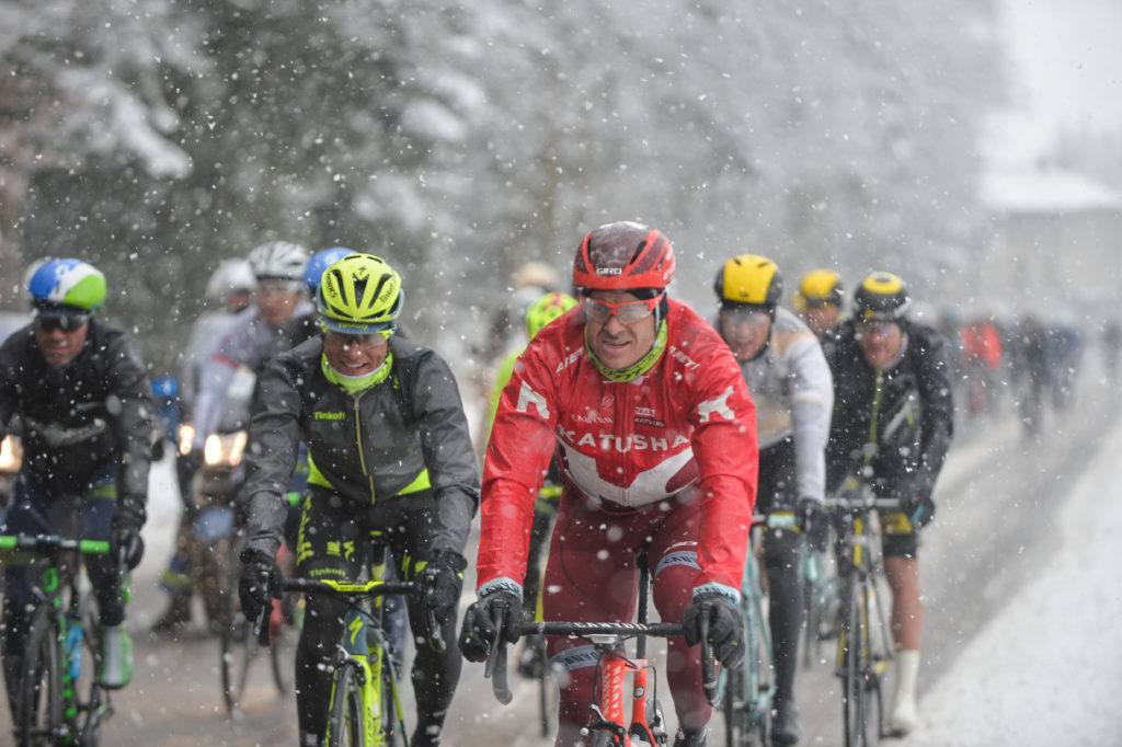 En 2016, l'organisateur ASO avait été contraint de raccourcir une étape à cause de la neige survenue durant l'étape.