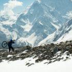 Un défi cycliste perché sur le toit du monde