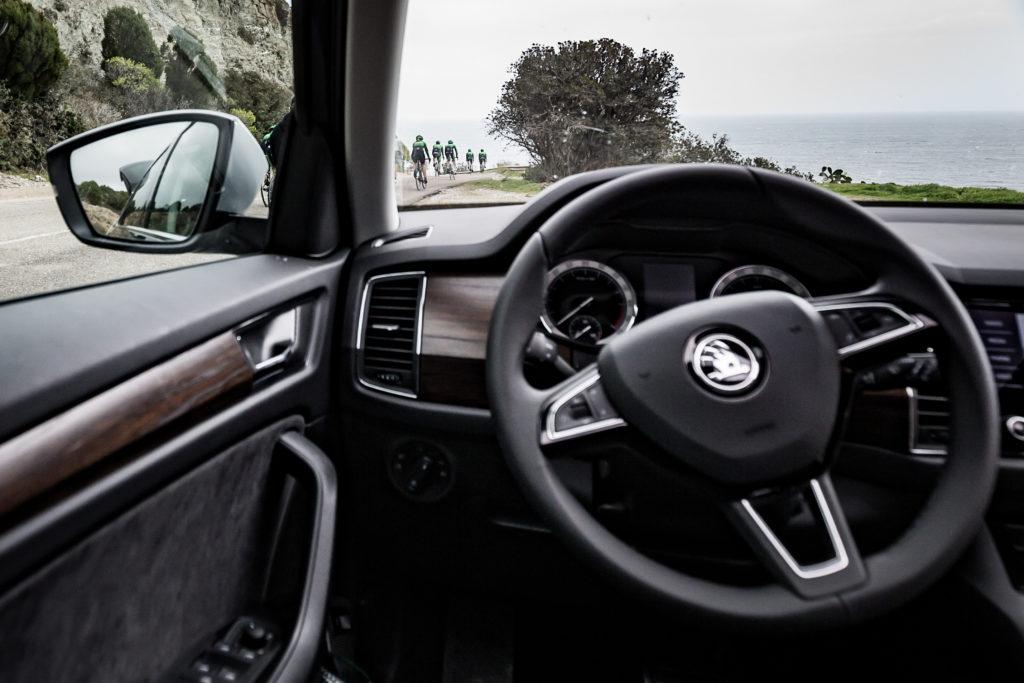 A l'interieur d'une Škoda.