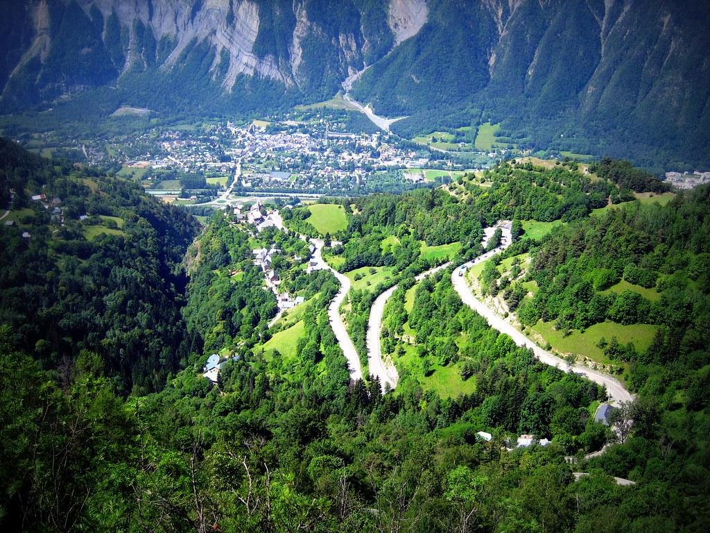 Route de montagne dans le Luberon